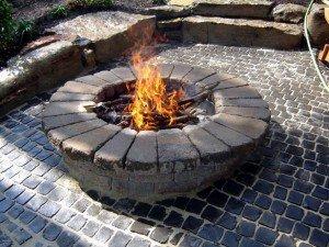 Round stone fire pit